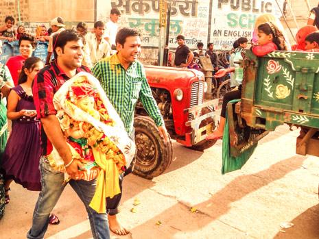 Om-Ganpati-Deva-(38-of-52)-blog-yash-gehlot